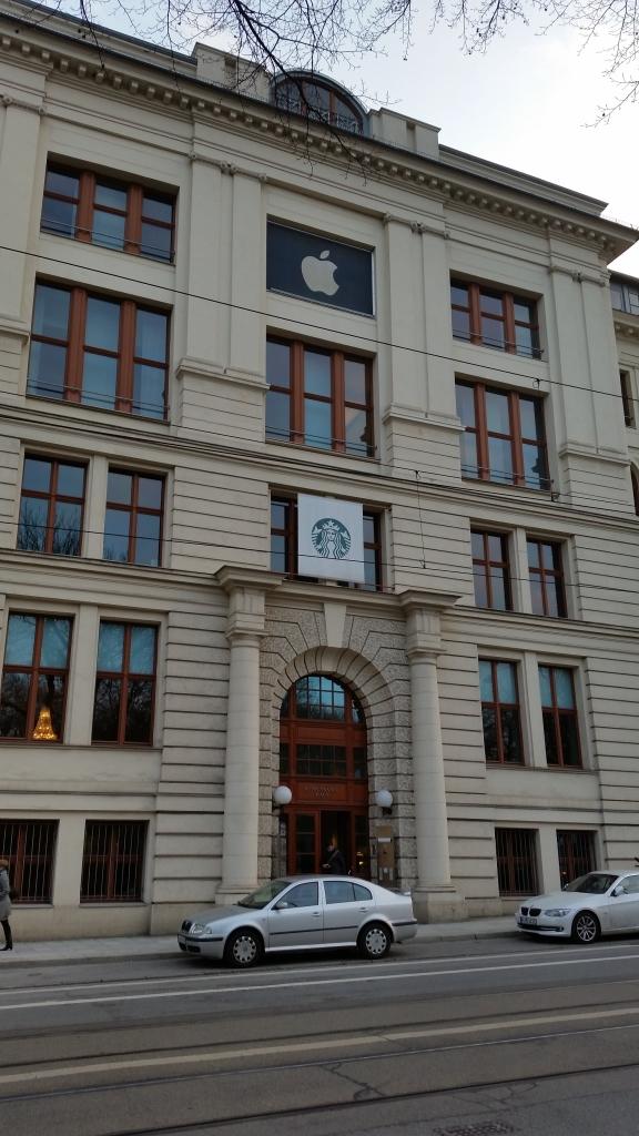 Ist das der christliche Verein junger Steuerpreller? In München arbeiten diese Vollblutkapitalisten scheinbar unter einem Dach.